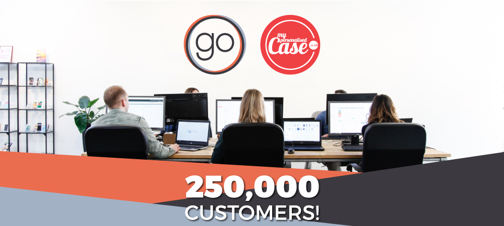 250 000 customers